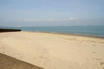 Appley beach stretches to Ryde or Puckpool and is a lovely safe beach for young families