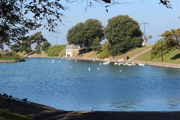 To the right of the lake there is a lovely wet play area for the younger discerning guests