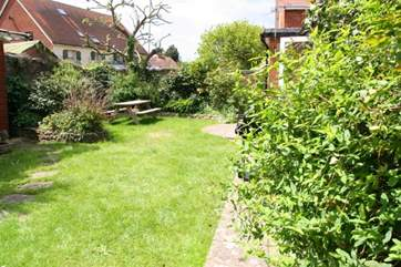 Pretty, sunny garden, fully enclosed for children and pets