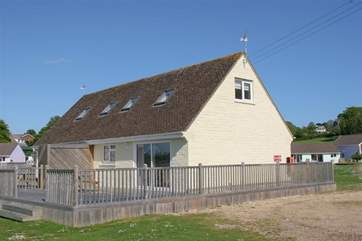 Eider Cottage is located in a private complex just seconds from the sea
