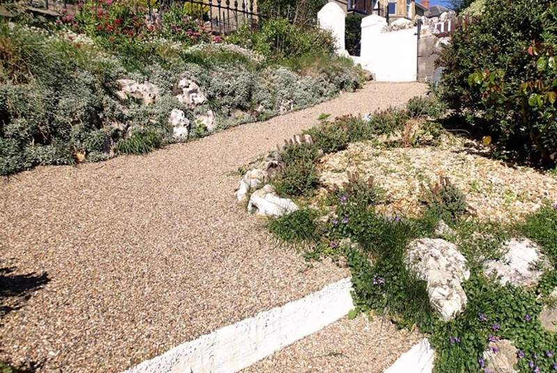 Front path to Madeira Road, Ventnor