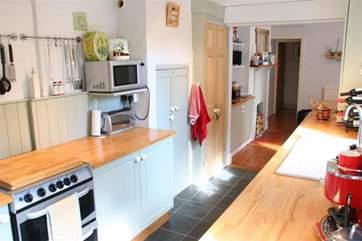 Galley Kitchen_Island Cottage