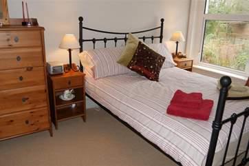 Double bedroom_Island Cottage