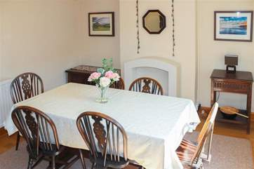 Dining area with seating for 5