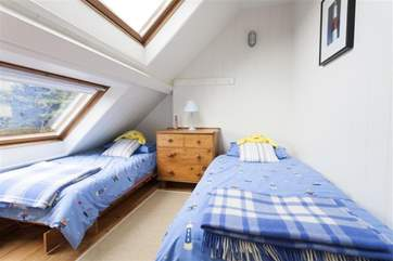 Twin room into eaves