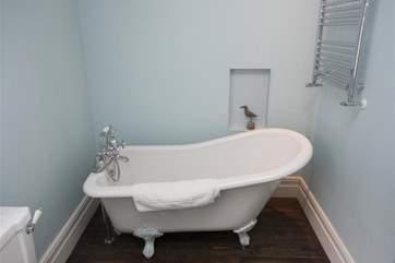 Bathroom with rolltop bath_