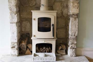 Feature fireplace with log burner_Junipers
