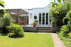 Lawn End - Holiday Cottage - Seaview