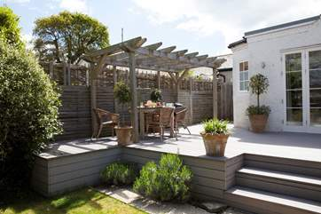Lawn End is a lovely property just seconds away from the beach, with a stunning decking if you want to go no further to relax