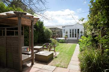 Lawn End is a three bedroom property in the popular village of Seaview on the Isle of Wight