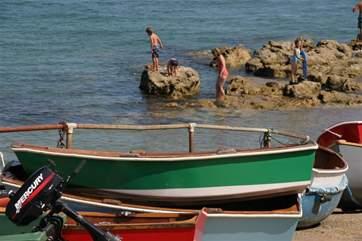 Dinghies at Seaview Bay