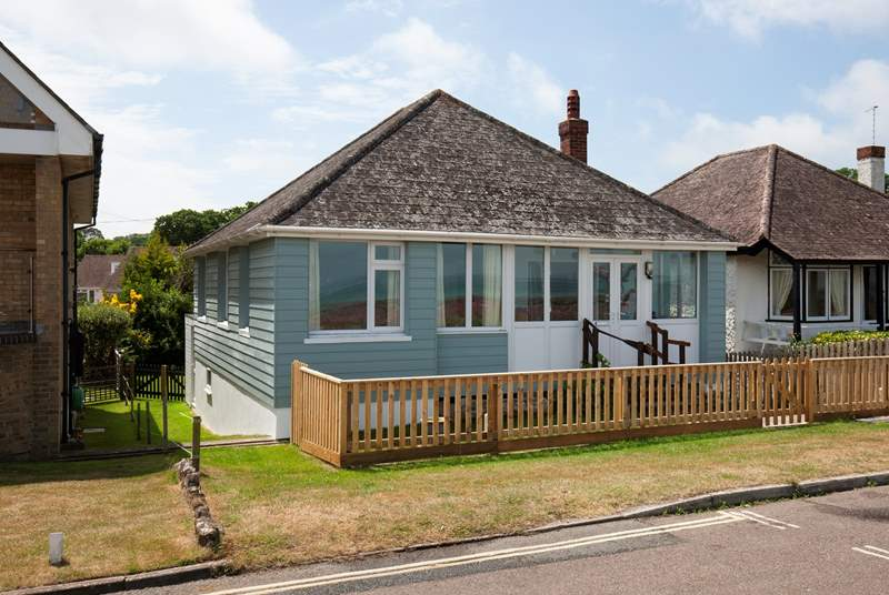 Merries is a welcoming cottage right on the seafront.