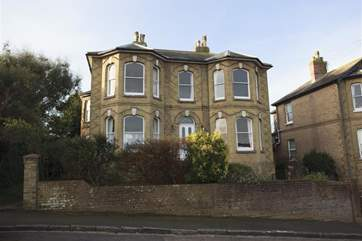 Pandora Lodge, Seaview