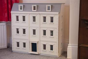 Doll house in Twin bedroom