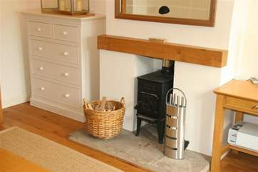 Raleigh Cottage, Seaview_fireplace