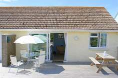 Salty Towers - Holiday Cottage - Seaview