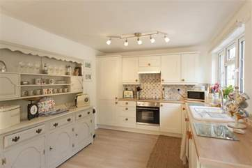 Lovely, light modern kitchen with everything you could wish to find