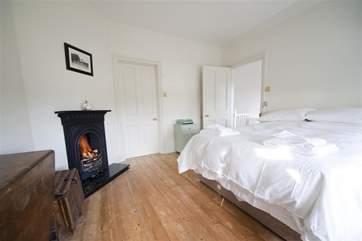 Main bedroom with en suite bathroom