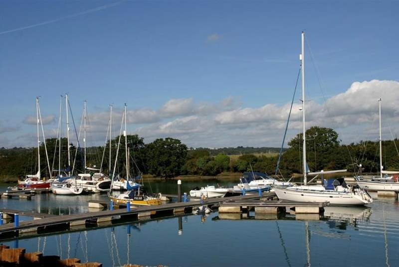 This aopular for sailors and is close to the Isle of Wight Festival site.