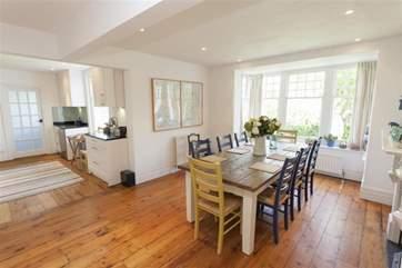 Light open plan dining-room