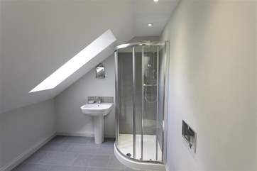 Ensuite bathroom with shower to twin bedroom