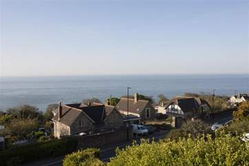 This fisherman's cottage is the ideal spot to watch the Round the Island Race each June.