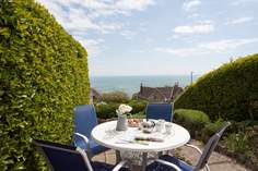 Trevessa - Holiday Cottage - 1.1 miles NE of Ventnor