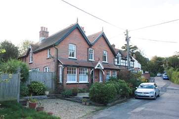 Ashmead in the quiet village of Totland is a short distance from the famous Needles at Alum Bay. It can also be booked with Island Cottage next door for larger family groups