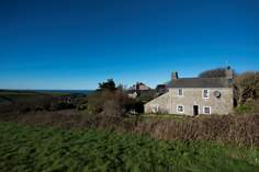 Nanquidno Vean - Holiday Cottage - 1.6 miles S of St Just