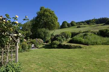 The mature gardens provide a very relaxing space  in which to dine, read or just enjoy the country air.