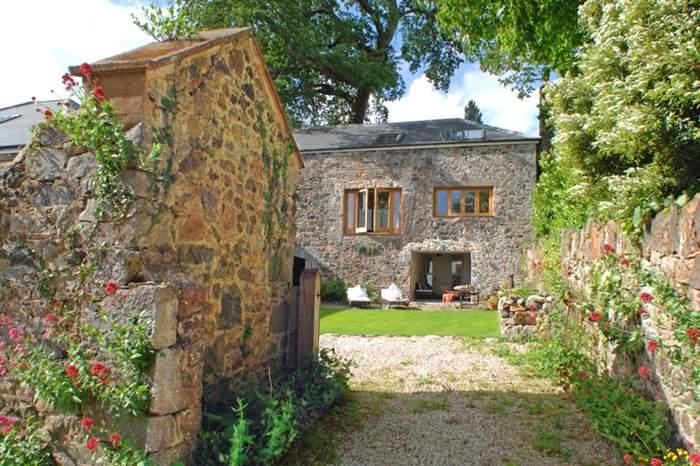 Cottages near Rugglestone Inn