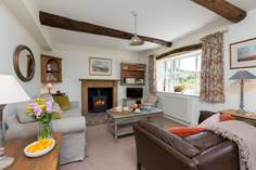 Riverview sleeps Sleeps 4 + 2 cots, 6.4 miles NW of Dulverton.