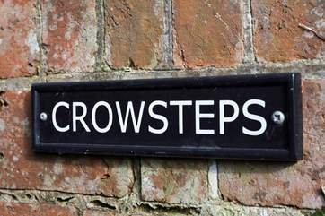 Crowsteps is just a five minute walk into Seaview village and the beach.