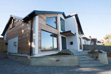 Welcome to Sea Whispers, a beautiful house located just a five minute walk from Seaview village.