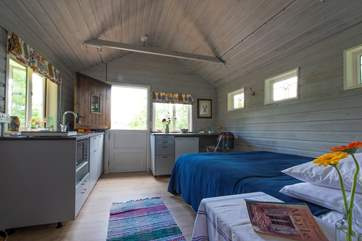 This bijou cabin has all that you need for a break away from it all.