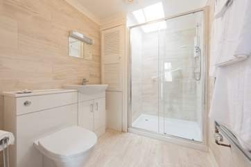The luxurious en suite shower-room.