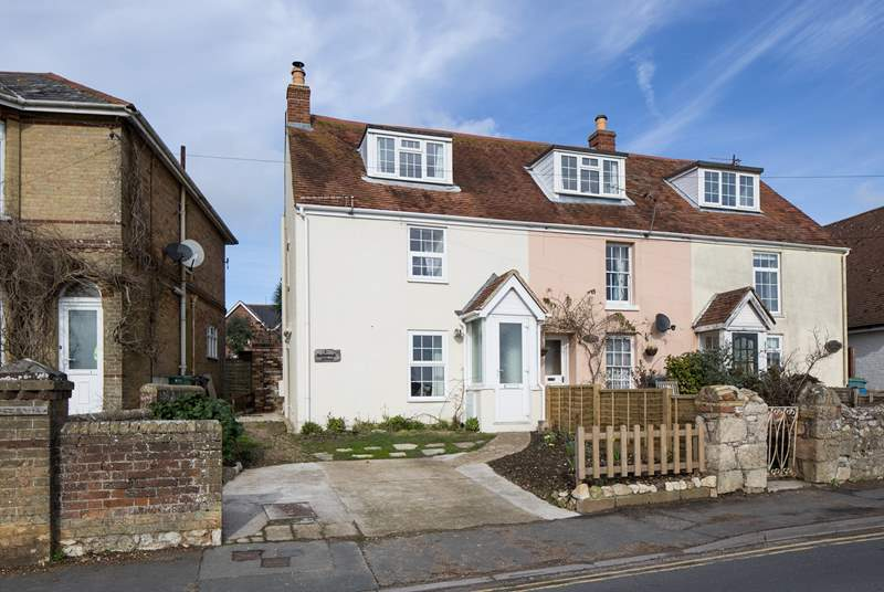 Welcome to 1 Yarborough Cottage, in the heart of St Helens village
