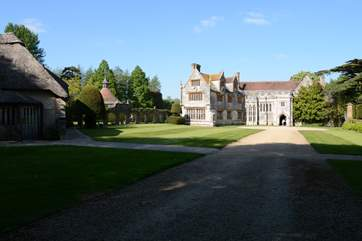 Nearby Athelhampton House and Gardens are well worth a visit, they have a restaurant there too.