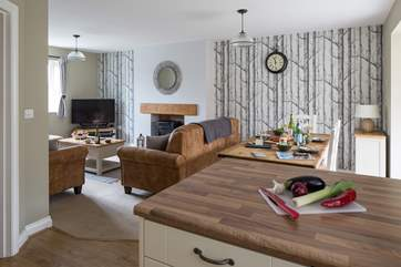 This lovely open plan cottage allows for a very sociable holiday.