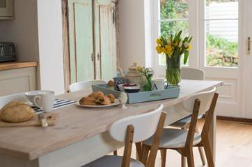 Enjoy a convivial meal in the lovely kitchen/diner.