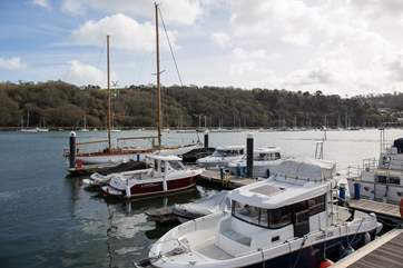 The bustling River Dart provides an all year round spectacle from any vantage point (not the view from the apartment).