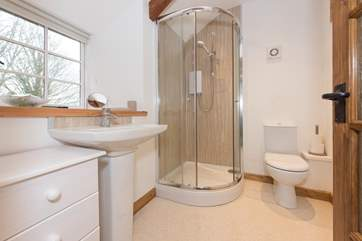 The en suite shower-room is on the first floor.