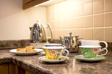 Pretty crockery for your afternoon tea!