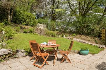 Make the most of the Cornish sunshine, enjoying leisurely holiday meals outside.