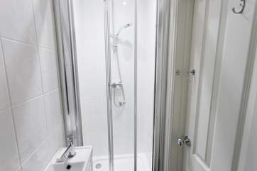 The downstairs shower-room is another option to avoid those long waits for your turn to take a shower in the morning.