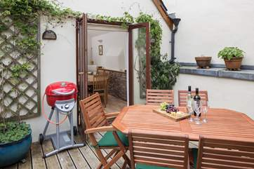 Dine al fresco on this delightful first floor patio equipped with barbecue.