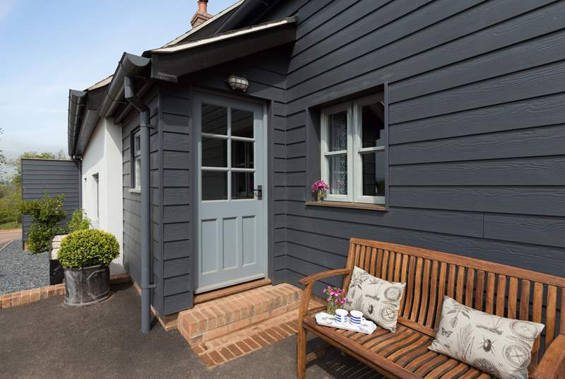 Soak up the sun on your doorstep with a morning coffee or use the Shepherd's Hut. This unique setting includes a wildlife pond and ancient woodland to explore all the way down to the River Exe.