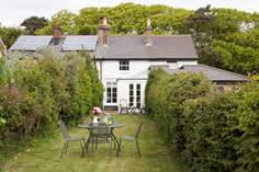 Butterfly Cottage - Holiday Cottage - Freshwater