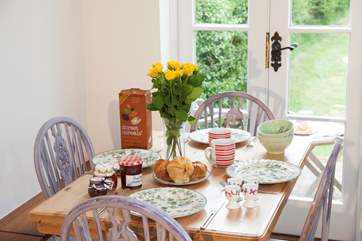 On a warm summer morning, open up the patio doors and enjoy your breakfast looking out to the garden and onto rolling scenery