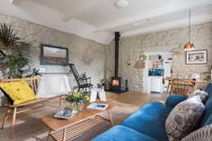 Smugglers Lane sleeps Sleeps 2, 2.6 miles E of Marazion.